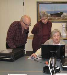 (L to R) Bruce Thurlow, Mary Pickard and Flo Maguire, Scarborough       Historical Society Representatives